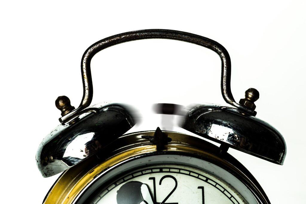 alarm-alarm-clock-analogue-682422